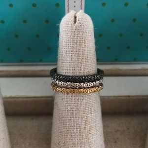 Jewelry - Boutique 3 stackable rings Sz 6 mixed metal